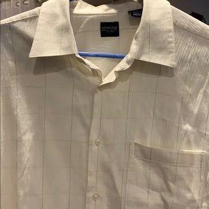 Men's dress shirt Button down/ short sleeve